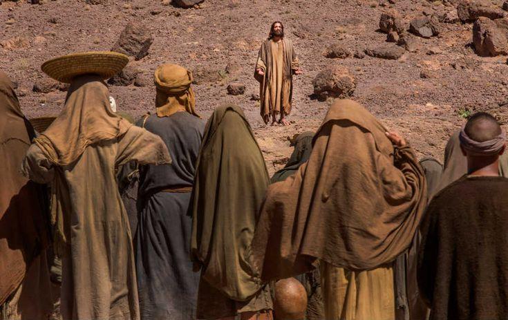 MÉXICO, D.F. (apro).- Filmada íntegramente en el desierto de Marruecos, con un equipo de 250 personas y más de cuatro mil 500 extras, ¿Quién mató a Jesús? (Killing Jesus) se estrenará en el canal d...