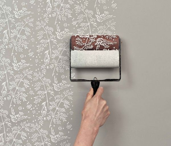genius idea ウォールペイントローラーは壁紙を替えずに模様替えができ