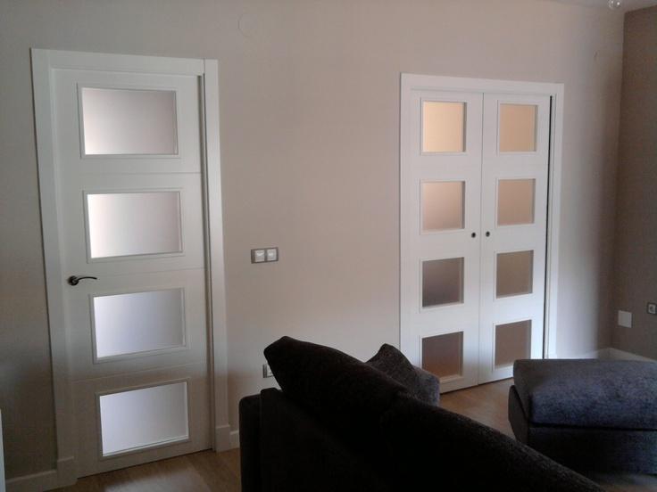 modelo t v con cristal mate puerta abatible y puerta doble corredera en armazn krona