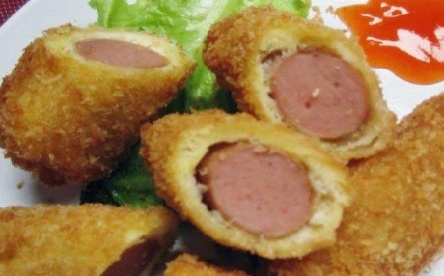 Resep Roti Goreng Isi Sosis - Roti merupakan makanan yang paling banyak di sukai orang untuk sarapan pagi. Ada berbagai macam