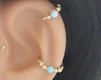Grün-blau Opal 2mm Helix Ohrring  Gold Perlen von HelenJewelryK
