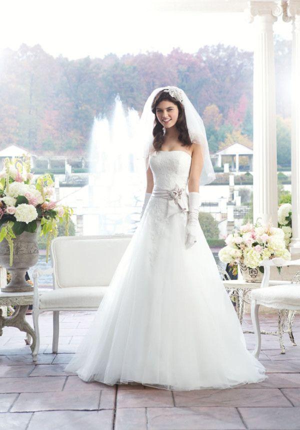 17 best Trouwjurken images on Pinterest | Wedding frocks, Homecoming ...