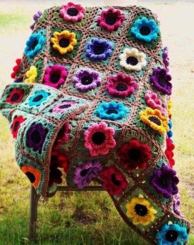 çiçekli tığ işi örgü battaniye modeli