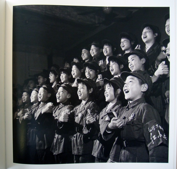 'Father is close, mother is close but neither is as close as Chairman Mao' | China Cultural Revolution - 1966-1976 ~