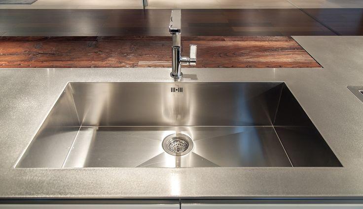 Armony - Italian kitchen design. www.armonycucine.it WELDED SINK