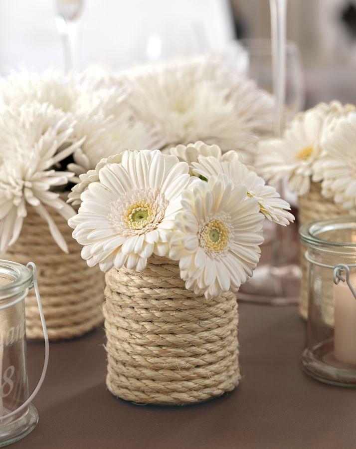 Preiswerte Centerpieces - Es müssen nicht immer Blumengestecke sein. Kreativ und außergewöhnlich ist manchmal auch wesentlich günstiger. Vielleicht bringen wir Sie auf eine Idee und Sie verzaubern Ihre Tische hiermit: