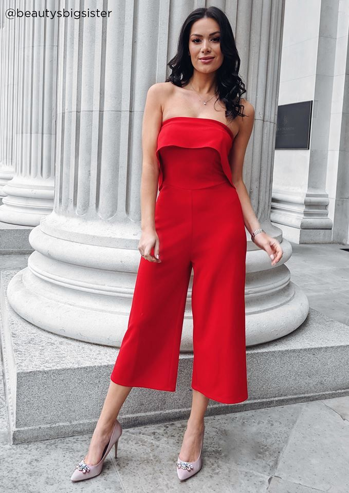 5e0abd0da0 Get ready in red and opt for a bold jumpsuit like  beautybigsister  jumpsuit   partystyle  bloggerstyle  fashionblogger