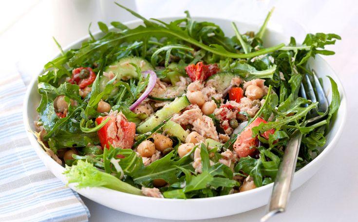 Deze lekkere salade is heerlijk lunch of lichte avondmaaltijd.