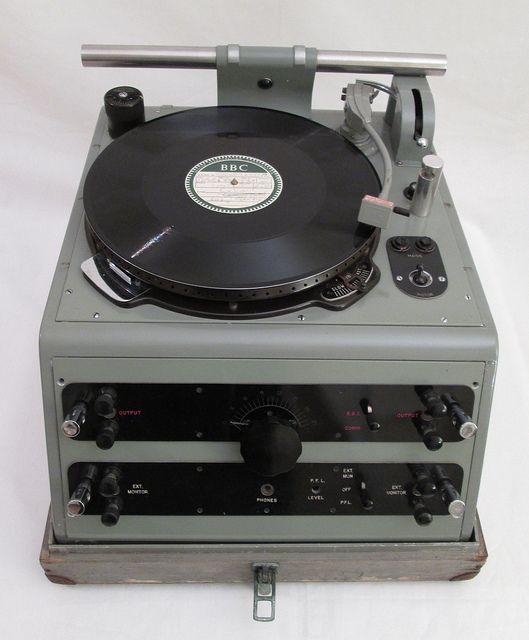 Late 1930's BBC Gramdeck / Turntable / Record player For OB's / Outside Broadcasts | by cinephonics - www.remix-numerisation.fr - Rendez vos souvenirs durables ! - Sauvegarde - Transfert - Copie - Digitalisation - Restauration de bande magnétique Audio - MiniDisc - Cassette Audio et Cassette VHS - VHSC - SVHSC - Video8 - Hi8 - Digital8 - MiniDv - Laserdisc - Bobine fil d'acier - Micro-cassette - Digitalisation audio