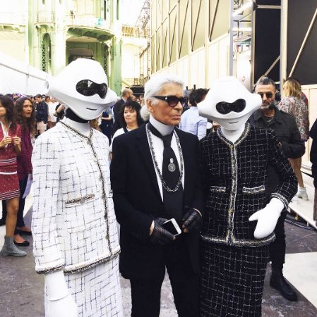 At Chanel's SS17 show at Paris Fashion Week earlier this week, Karl Lagerfeld presented the classic Chanel suit on robotic figures, after transforming the Grand Palais into a data storage centre for the show. A perfect combination of nostalgia, futurism and fun that #Luna2Loves!   #Nostalgia #Futurism #Fun #Luna2Life #Luna2 #Luna2studiotel #Bali #Seminyak #fashion #PFW #Paris #Chanel #KarlLagerfeld #DataCenterChanel #SS17