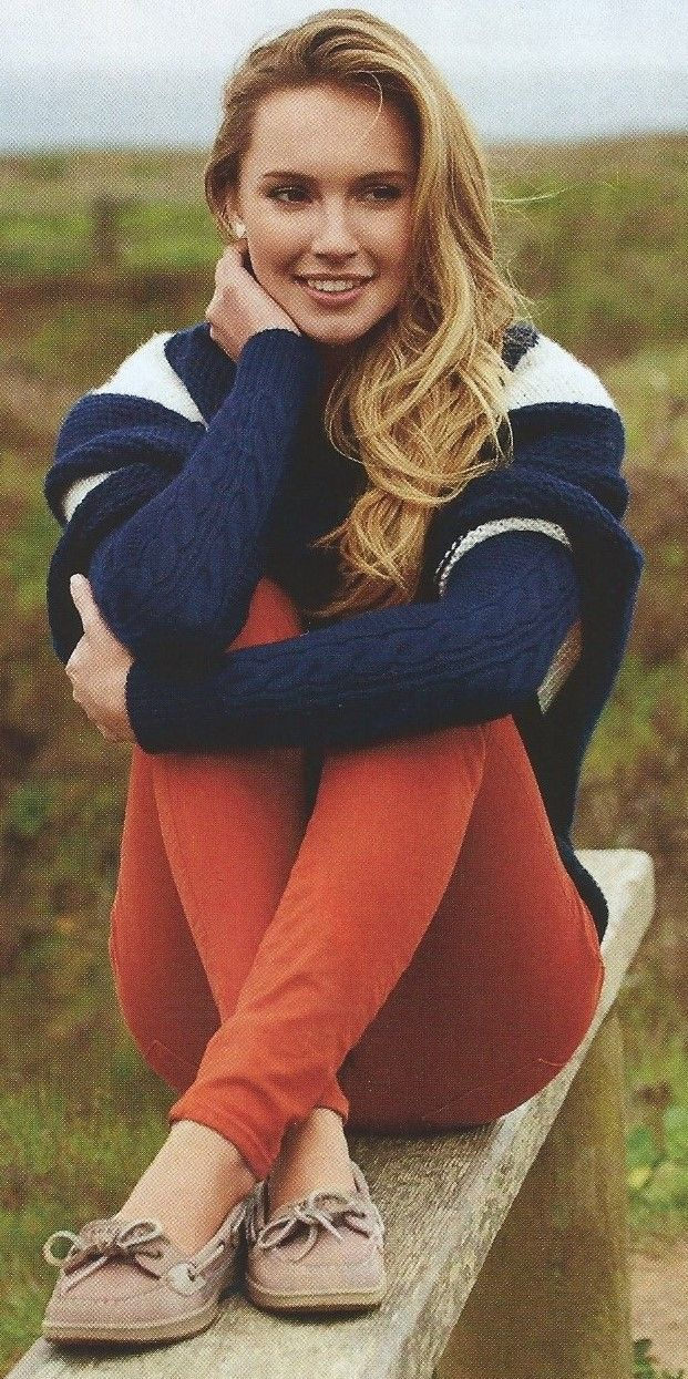 New England Style. Cable knit sweater, coral, loafers