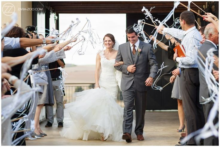 Confetti ideas at a wedding, Ribbon Wands for guests to wave around. Gives a lovely effect without without the 'after effects'. Make sue the ribbons are nice and long though. #Confetti #RibbonWands #ZaraZoo