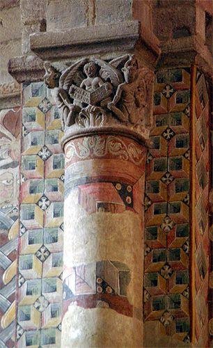 Basilique de Brioude. Peinture et chapiteau romans. Auvergne