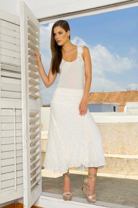 Elegancia en Blanco - The Color Wear - White elegance
