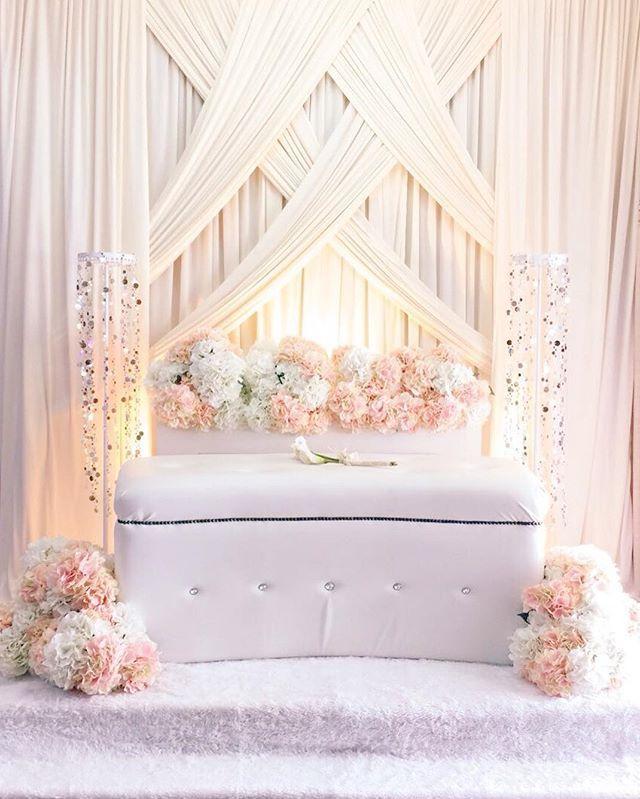 Anis + Faez | Engagement | 16 April 2016 #pelaminselangor #kahwin #wedding #sayajual #igbiz #pelamin #barangpelamin #kerusi #pelamincantik #malaysia #doorgiftmalaysia #makeupartist #makeupartistmalaysia #pelamincantik #pelamindewan #pelaminekslusif #hydrangea #malayweddingguide