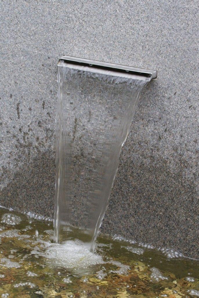 Awesome Garten versch nern mit Wasserspiel f r V gel Wasser belebt eine Gartensituation und unterdr ckt verdeckt Stra enl rm und Autoger usche