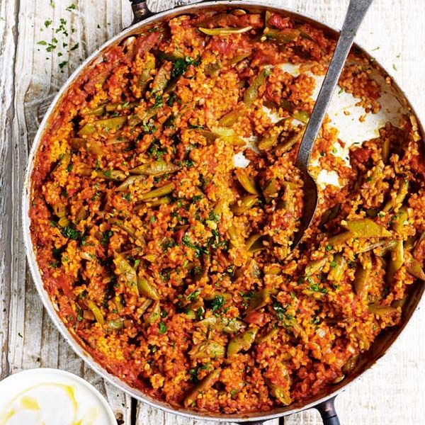 This vegetarian recipe made with runner beans and bulgur wheat serves 4 as a main dish.