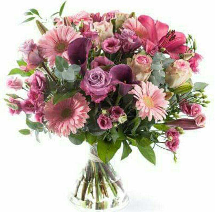 Mooi roze boeket met lisianthus, lelie,calla, gerbera, roos en eucalyptus.