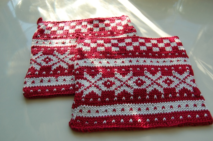 Potholders knitted Norwegian Fana pattern