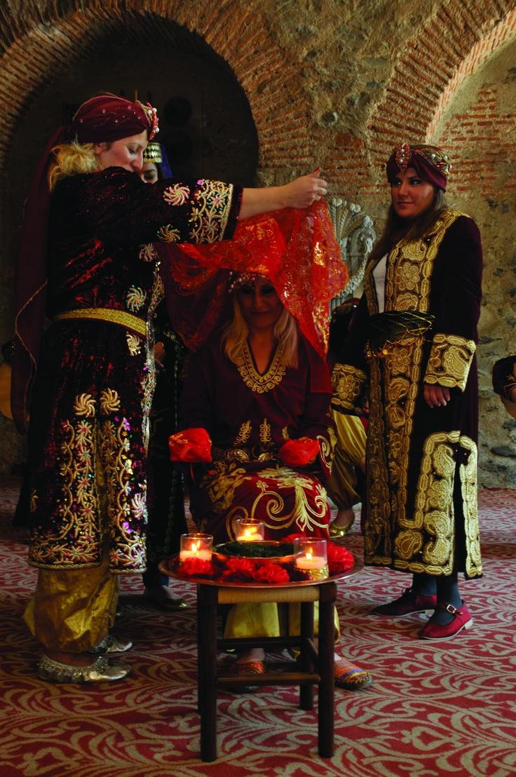 Türkiye'de Evlilik Gelenekleri - Turkish wedding traditions - Henna Night