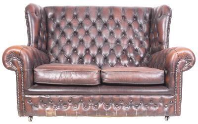 Como consertar um sofá de couro arranhado por um gato | eHow Brasil