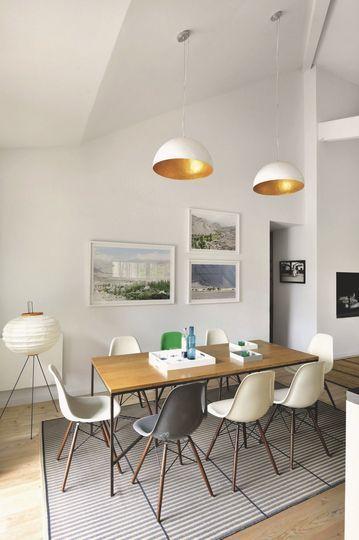 La salle à manger design de la maison familiale - Maison au Cap Ferret pour une famille modèle - CôtéMaison.fr