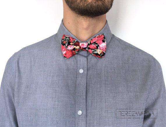Present Gift season Textile bow tie Floral bow tie by terezavarga