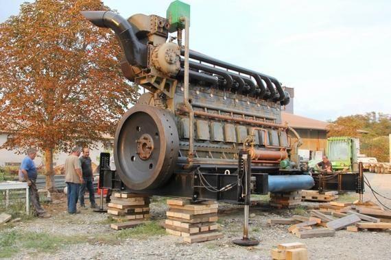 This is a vintage 30-ton, 1600 HP, 330L diesel engine