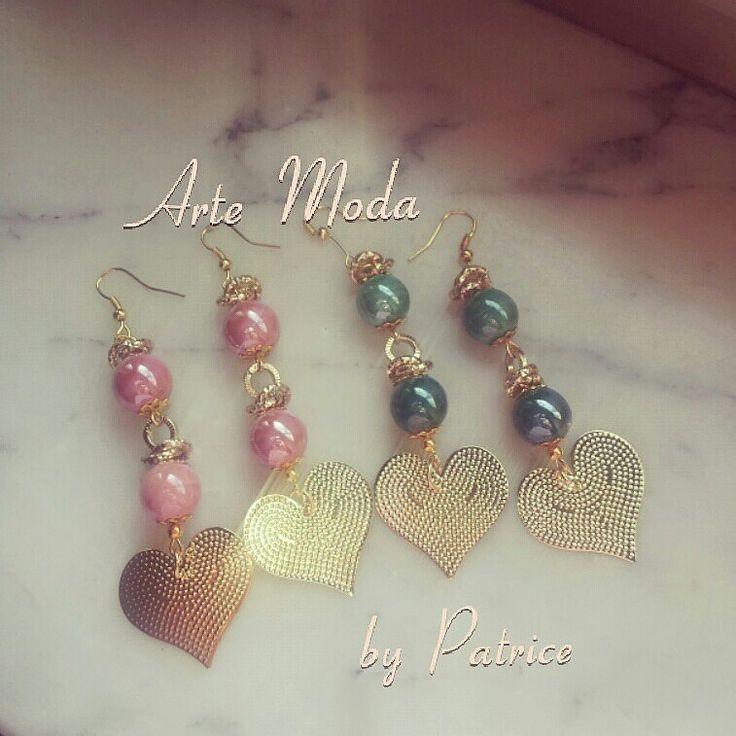"""Collezione Patrice creation:modello """"Love is in the air""""...a richiesta anche in altri colori e con cuori color argento. .per info:patriceartemoda@gmail.com...o contattatemi in instagram ;-)..#artemoda#bijoux#creation#accessory#creazioni#handmade#earrings#outfit#moda#fashion#madeinitaly#trendy"""