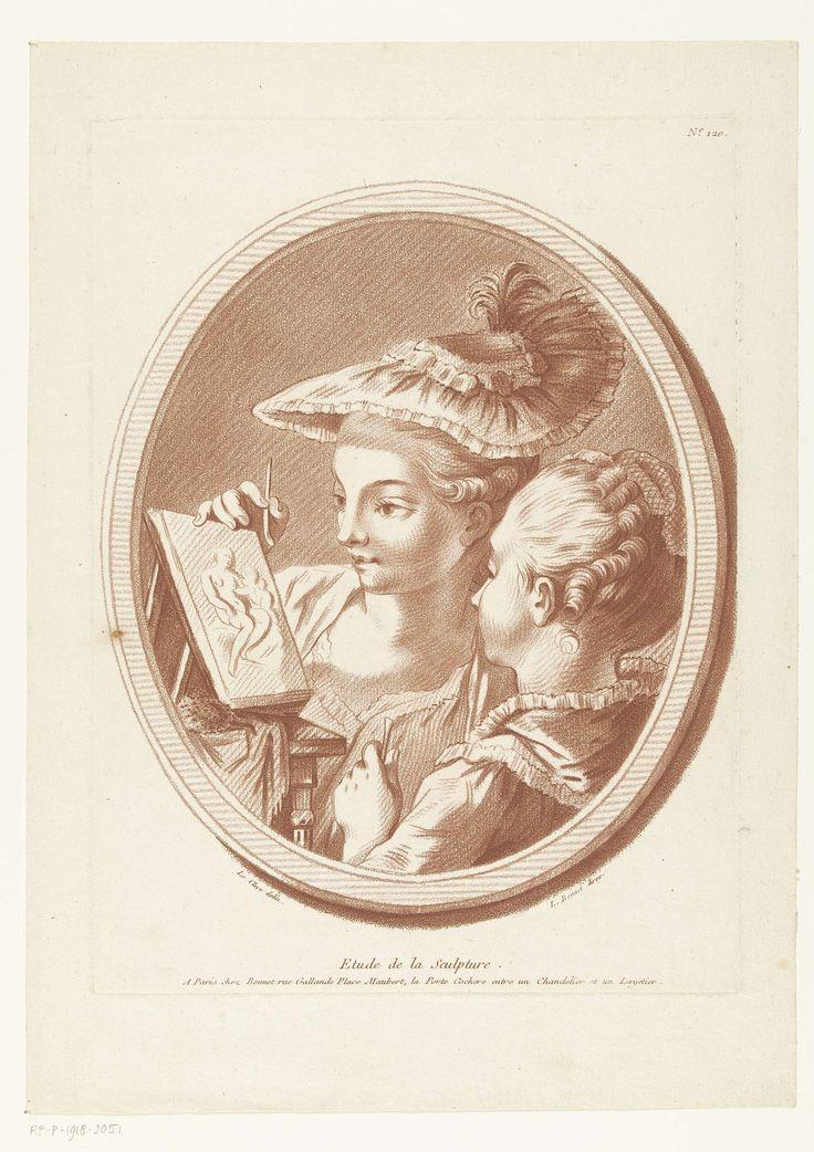 Louis Marin Bonnet | De sculptuurles, Louis Marin Bonnet, 1757 - 1793 | Twee vrouwen maken naar een reliëfsculptuur van een vrouw met kind. Een ovale omlijsting.