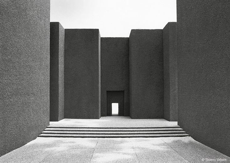 Thierry Urbain - Babylon: the Courts