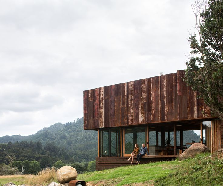 A Coromandel home clad in a skin of rusty recycled corrugated iron is the winner of the HOME magazine's Home of the Year 2016, New Zealand's richest architectural prize – and we have to admit we're crazy about it.  Designed by husband-and-wife team Lance and Nicola Herbst of Auckland-based Herbst Architects (who receive a …