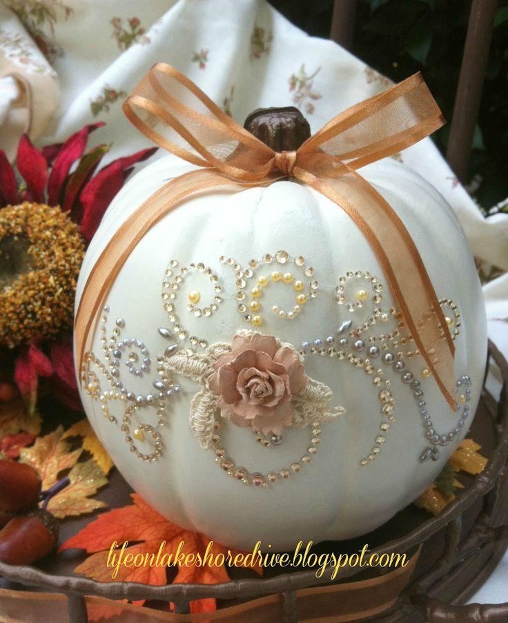 Life on Lakeshore Drive: Pumpkin Glitz & Glitter- An adorable idea for decorating pumpkins!
