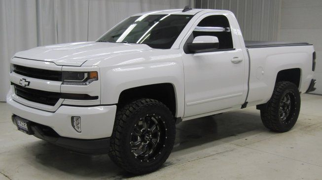 Used 2017 Chevrolet Silverado 1500 4x4 Regular Cab Lt For Sale In Fond Du Lac Wi 54935 Truck Detai Chevy Trucks Silverado Chevrolet Silverado 1500 Autotrader