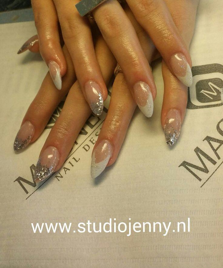 French Manicure met een zilveren twist - Door Studio Jenny