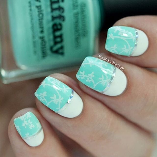 Hi lovelies! How is everyone doing today?  I made this delicate stamping nail art with @pueencosmetics stamping plate (Nature Lover 02) and the beautiful Tiffany by @picturepolish. Read more thoughts on the blog