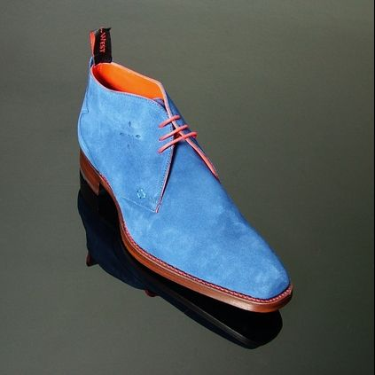Dexter - 'Masuka' Plain Front Suede Chukka in Azure Blue Suede. #jefferywest #britishfootwear #bestofbritish #mensfootwear #mensboots #chukkaboots #dextermorgan #fashion #alternative