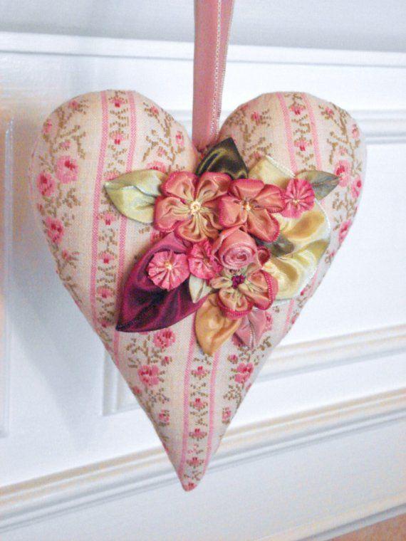 Ribbon flowers-OMG, MUST MAKE ONE !!!