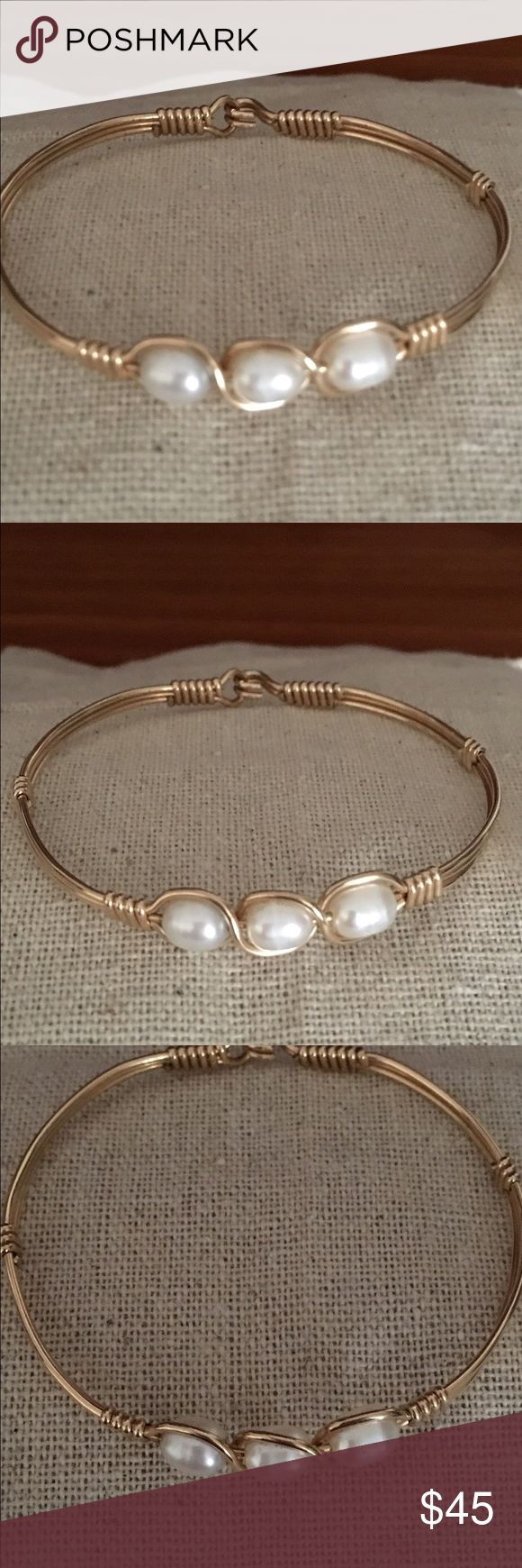 "Ronaldo Bracelet ""Waverly"". No trading This is the Waverly bracelet. Gold with 3 pearls. This is a small Ronaldo. Good condition. Ronaldo Jewelry Bracelets"