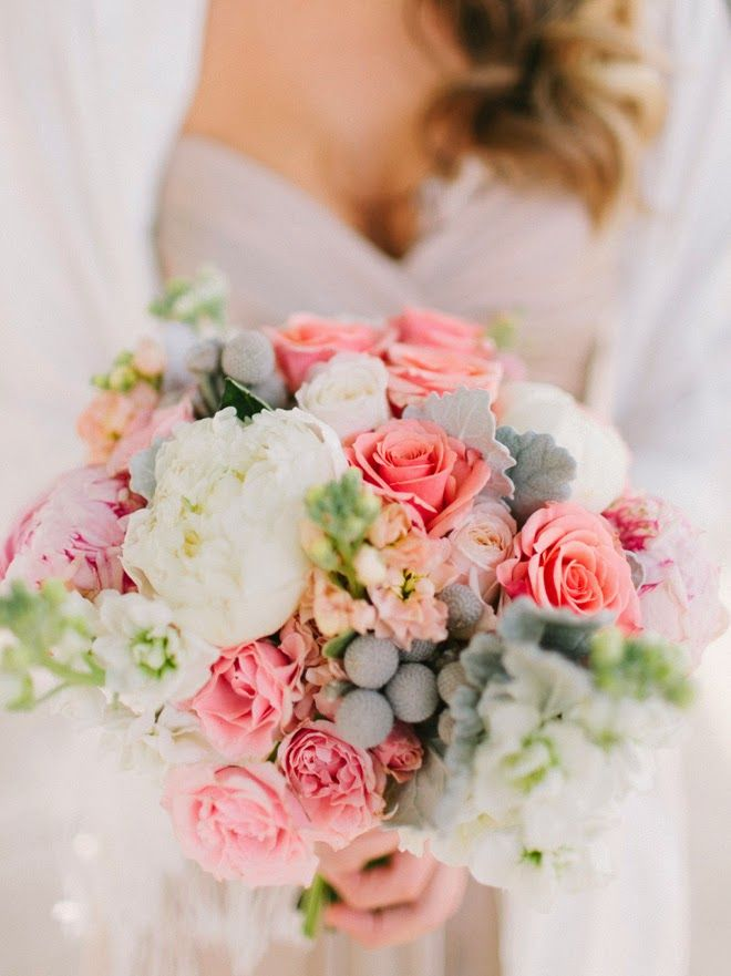 This wedding bouquet is gorgeous!