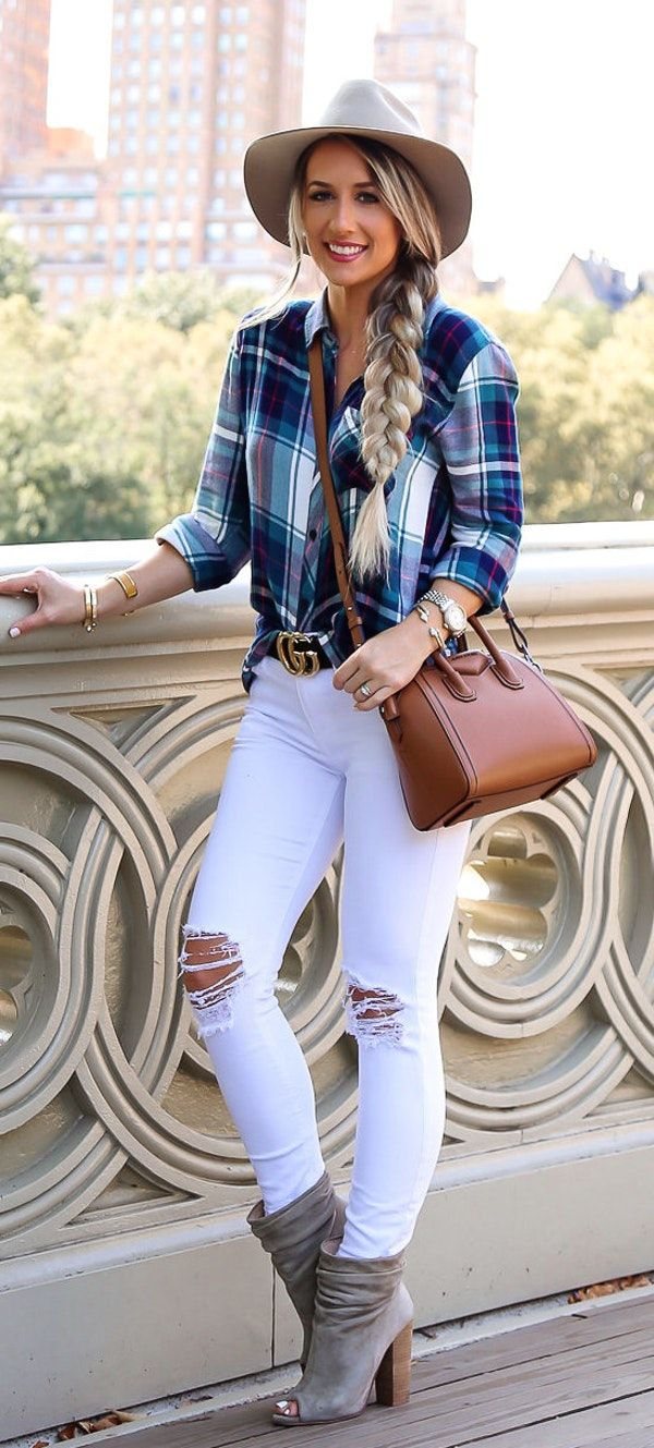 #fall #outfits women's blue and white checkered button-up long-sleeve T-shirt with distressed white skinny pants