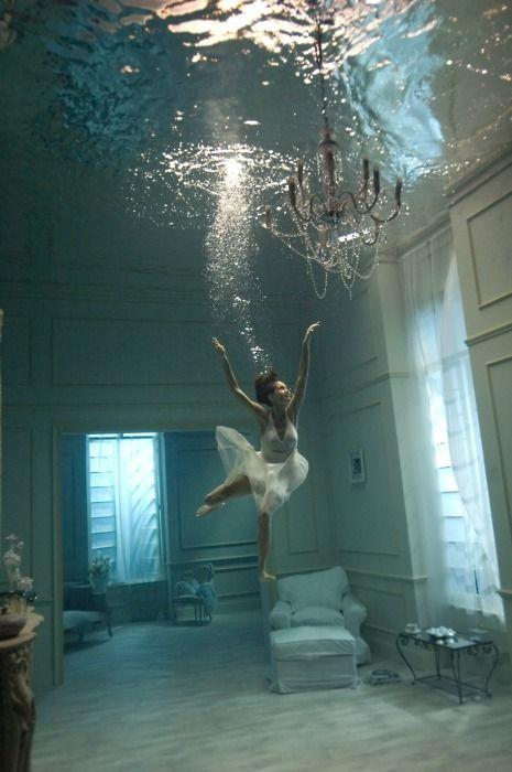 underwater house cra-z