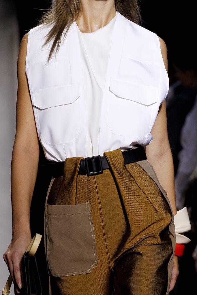 Balenciaga - Spring 2012 Ready-to-Wear - Look 43 of 68                                                                                                                                                                                 More