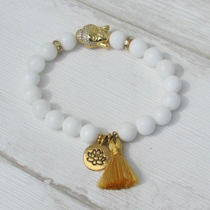 MINATI Bracelet Bouddha hippie chic, perles d'agate blanche, strass et pompon doré, perle visage de Bouddha, esprit bohème, bijoux zen,  bracelet élastique, bracelet de perles, perles de pierres semi précieuses, Bouddha, fil élastique, pompon fils de soie, strass brillants, agate blanche, doré, or, Bracelet Buddha hippie chic, white agate beads, rhinestones and gilt pompon, pearl face Buddha, spirit bohemian, zen jewelry, elastic bracelet, pearl bracelet, semi precious stones beads, Buddha,