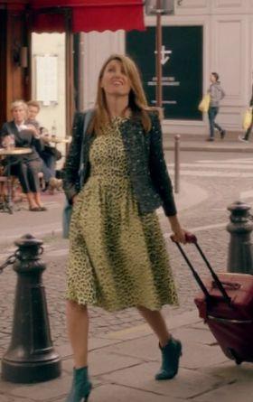 Sharon Horgan on Catastrophe: Season 2, episode 3: black tweed jacket, yellow leapard print dress, blue booties