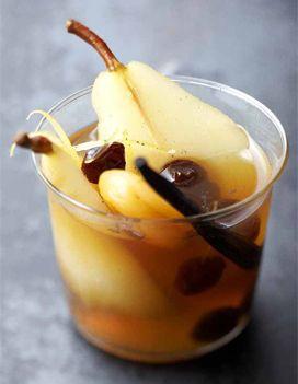 Poires et fruits secs au vin doux pour 6 personnes - Recettes Elle à Table