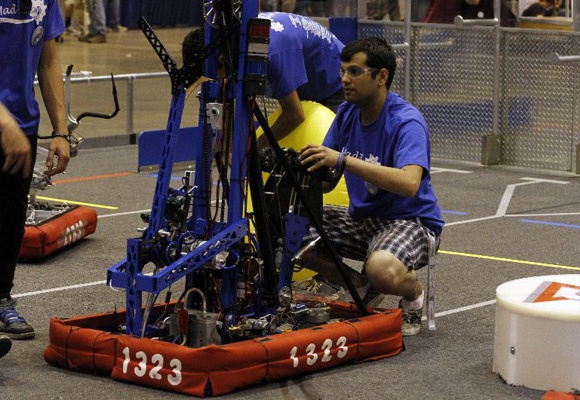 FIRST® Robotics Competition (FRC®) Grades 9-12 (ages 14-18)