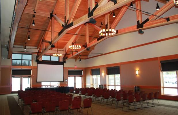 Benham Hall Events Manager coordinated the room set-up and event logistics with Sunriver Owners Association #meeting #event. Once details are final, our staff sets-up and tears-down tables and chairs. We also can help with your A/V needs!