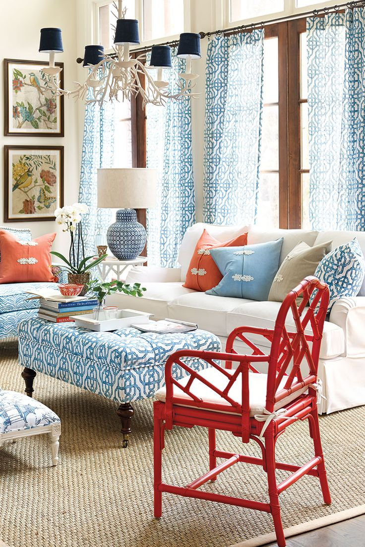 Living Rooms: Bold colors and patterns mix well for a pleasant space!