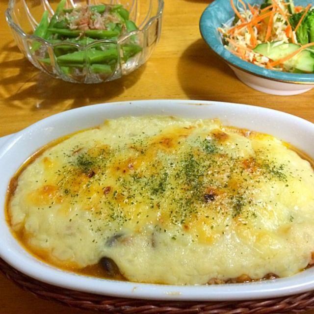牛乳の代わりに豆乳で作りました(*^_^*) さっぱりミートソースで美味しかったです - 226件のもぐもぐ - ナスとズッキーニとトマトのミートグラタン♪ by mikio64